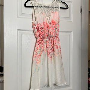 Candie's Dresses - Floral print lace dress